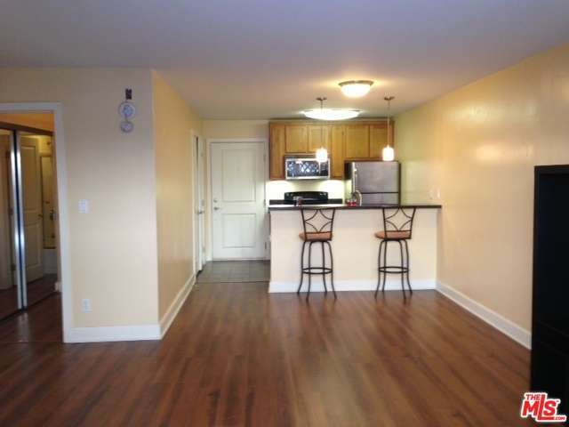 Rental Homes for Rent, ListingId:28617525, location: 10982 ROEBLING Avenue Los Angeles 90024