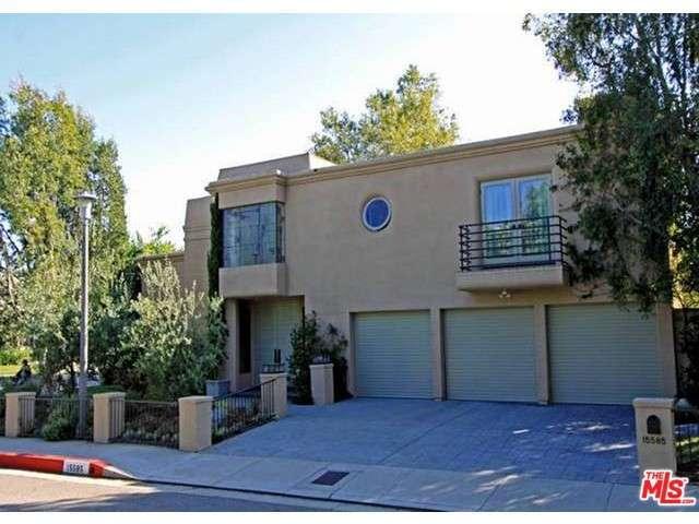 Rental Homes for Rent, ListingId:28617537, location: 15585 AQUA VERDE Drive Los Angeles 90077