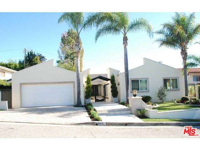 Rental Homes for Rent, ListingId:28679713, location: 480 North ROBINWOOD Drive Los Angeles 90049