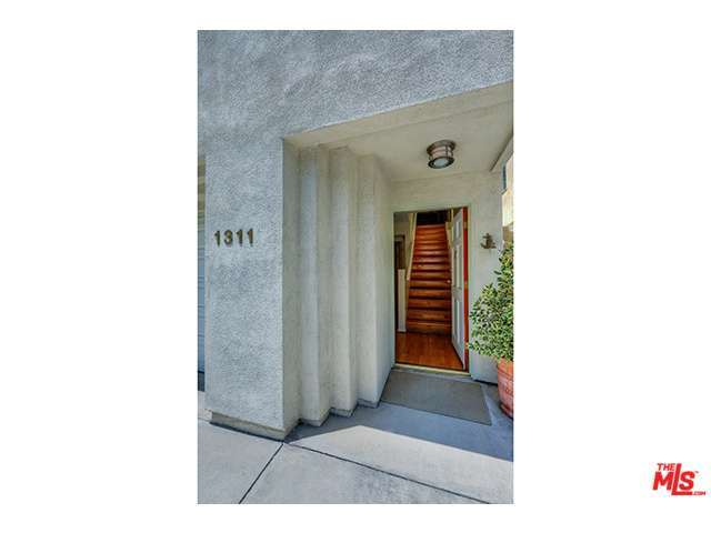 Rental Homes for Rent, ListingId:28908729, location: 1311 North BEVERLY GLEN Boulevard Los Angeles 90077
