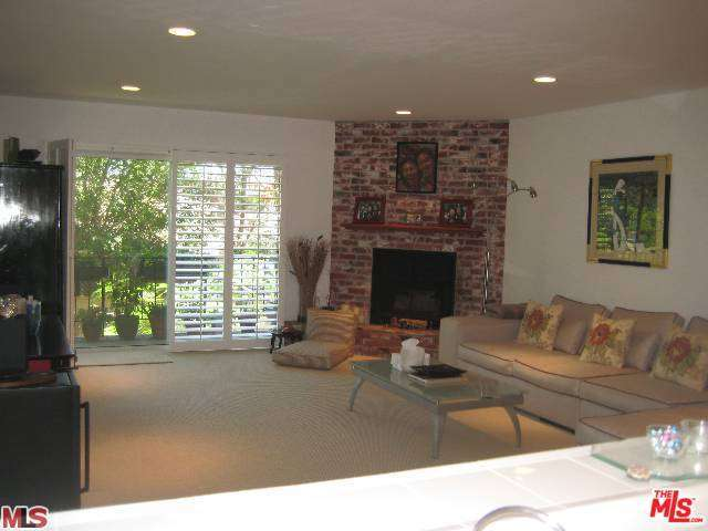 Rental Homes for Rent, ListingId:28891140, location: 2385 ROSCOMARE Road Los Angeles 90077