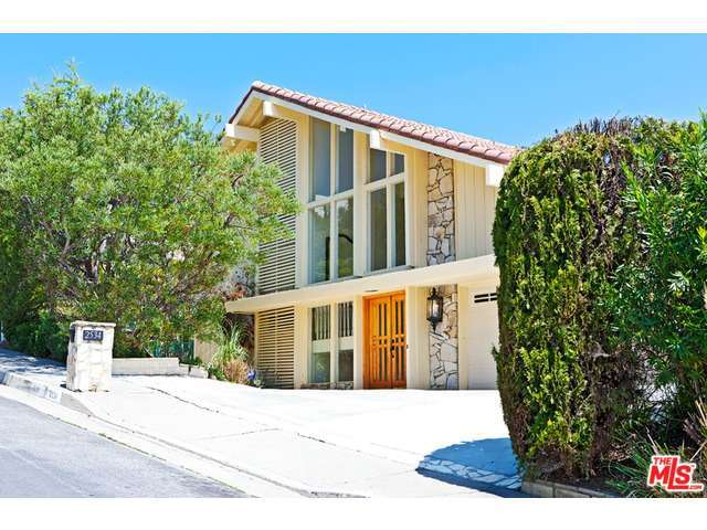 Rental Homes for Rent, ListingId:28914425, location: 2534 CORDELIA Road Los Angeles 90049