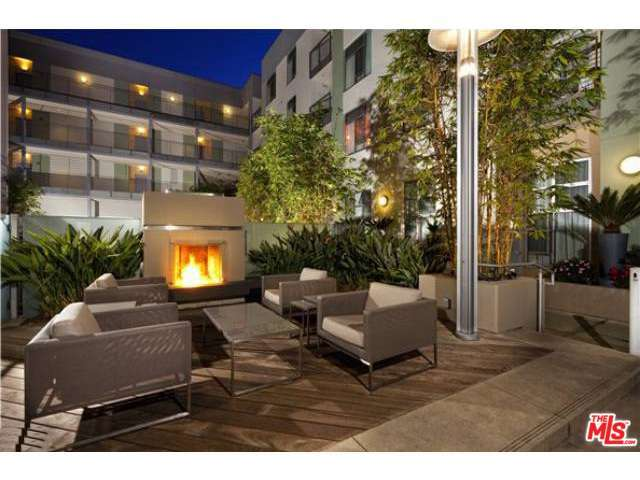 Rental Homes for Rent, ListingId:28977291, location: 1555 VINE Street Los Angeles 90028