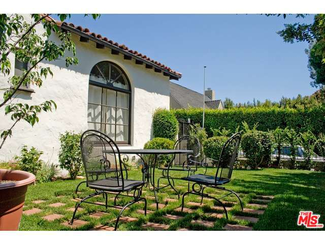 Rental Homes for Rent, ListingId:29066325, location: 830 GARDNER Street Los Angeles 90046