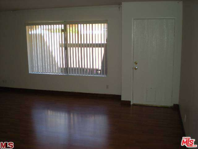 Rental Homes for Rent, ListingId:29116878, location: 5461 NEWCASTLE Avenue Encino 91316
