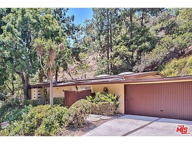 Rental Homes for Rent, ListingId:29445040, location: 2101 ROSCOMARE Road Los Angeles 90077