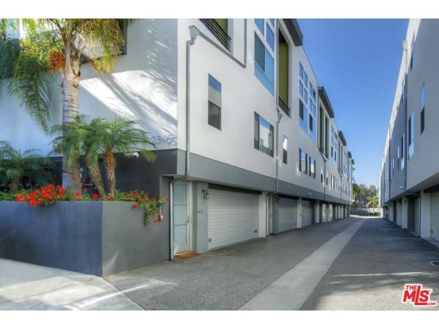 Rental Homes for Rent, ListingId:29623829, location: 2395 SILVER LAKE Boulevard Los Angeles 90039