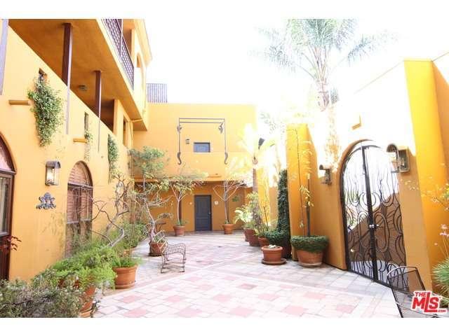 Rental Homes for Rent, ListingId:29762683, location: 828 HUDSON Avenue Los Angeles 90038