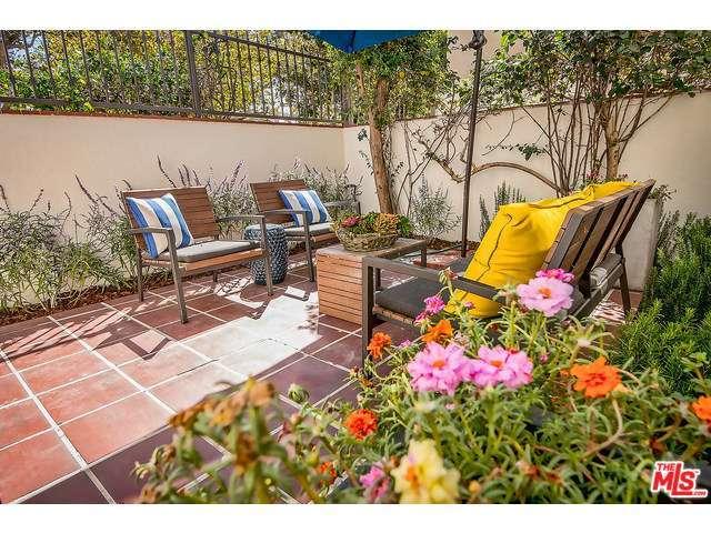 Rental Homes for Rent, ListingId:29980226, location: 157 South CITRUS Avenue Los Angeles 90036