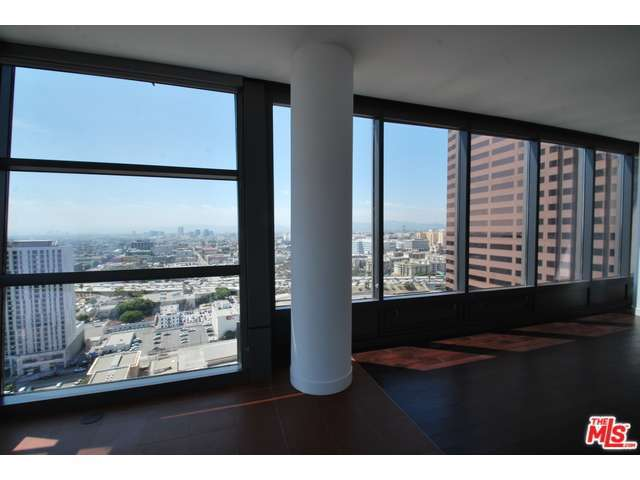 Rental Homes for Rent, ListingId:29831147, location: 900 South FIGUEROA Los Angeles 90015