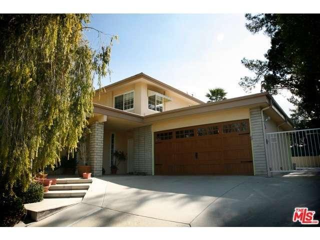 Rental Homes for Rent, ListingId:29896764, location: 4890 LA MONTANA Circle Tarzana 91356