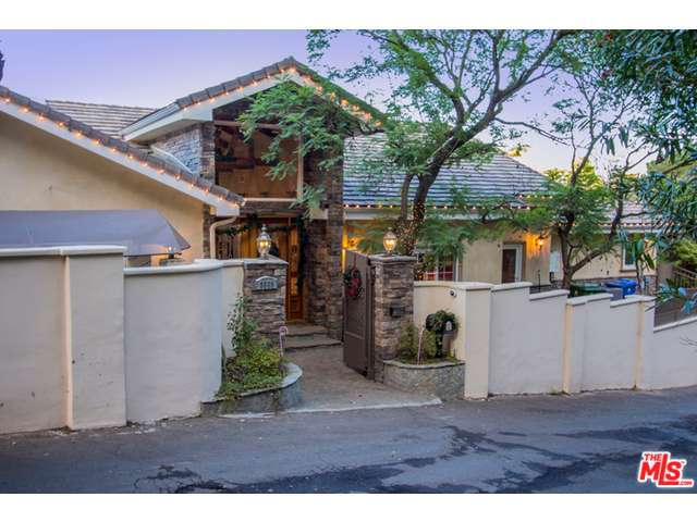 Rental Homes for Rent, ListingId:29901709, location: 3535 BEVERLY GLEN Sherman Oaks 91423