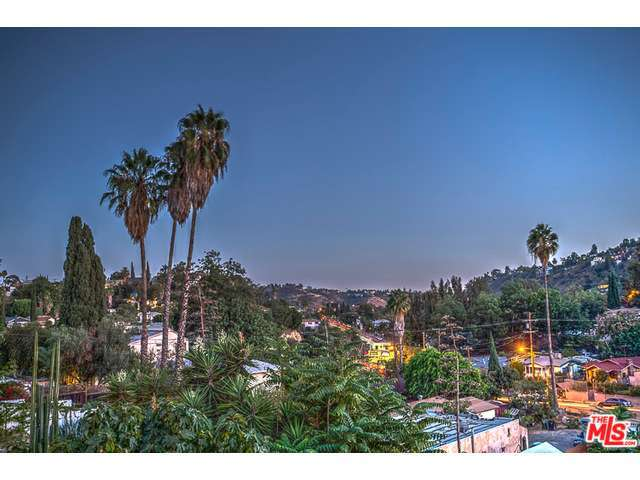 946 Dexter St, Los Angeles, CA 90042