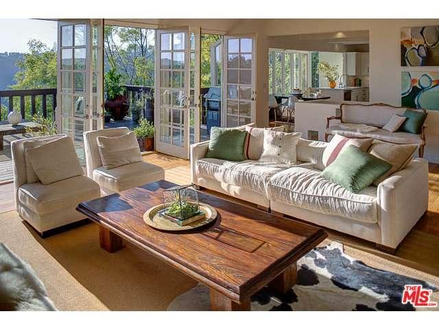 Rental Homes for Rent, ListingId:30229233, location: 1993 STRADELLA Road Los Angeles 90077