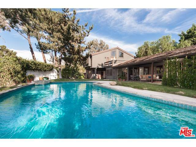 Rental Homes for Rent, ListingId:30344763, location: 2501 ROSCOMARE Road Los Angeles 90077