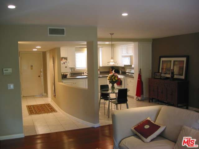 Rental Homes for Rent, ListingId:30349095, location: 4445 CARTWRIGHT Avenue Toluca Lake 91602