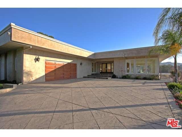 Rental Homes for Rent, ListingId:30482360, location: 4117 ROYAL CREST Place Encino 91436
