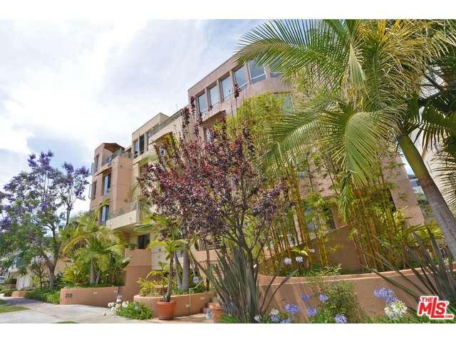 Rental Homes for Rent, ListingId:30511117, location: 2111 BEVERLY GLEN Los Angeles 90025