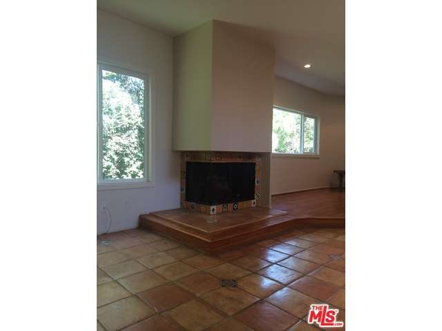 Rental Homes for Rent, ListingId:30511084, location: 11752 BELLAGIO Road Los Angeles 90049