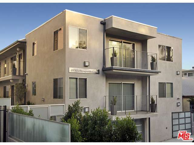 Rental Homes for Rent, ListingId:30516609, location: 1418 North POINSETTIA Place Los Angeles 90046
