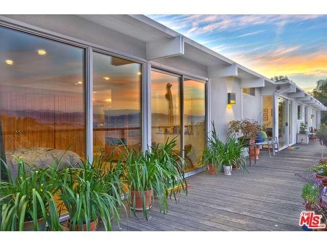 Rental Homes for Rent, ListingId:30551607, location: 3356 WOODCLIFF Road Sherman Oaks 91403