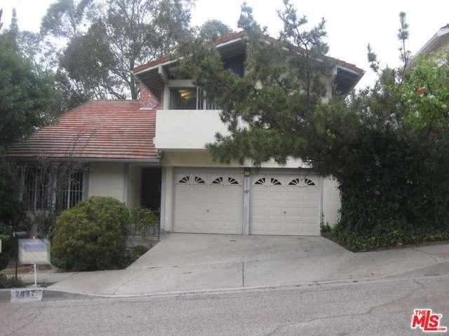 Rental Homes for Rent, ListingId:30643055, location: 2801 WOODWARDIA Drive Los Angeles 90077