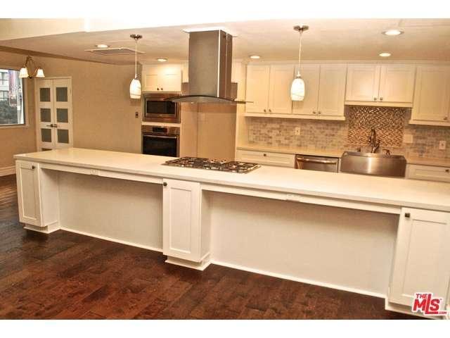 Rental Homes for Rent, ListingId:30705779, location: 10787 WILSHIRE Los Angeles 90024