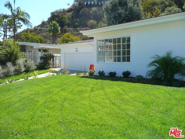 Rental Homes for Rent, ListingId:30739723, location: 10608 LINDAMERE Drive Los Angeles 90077