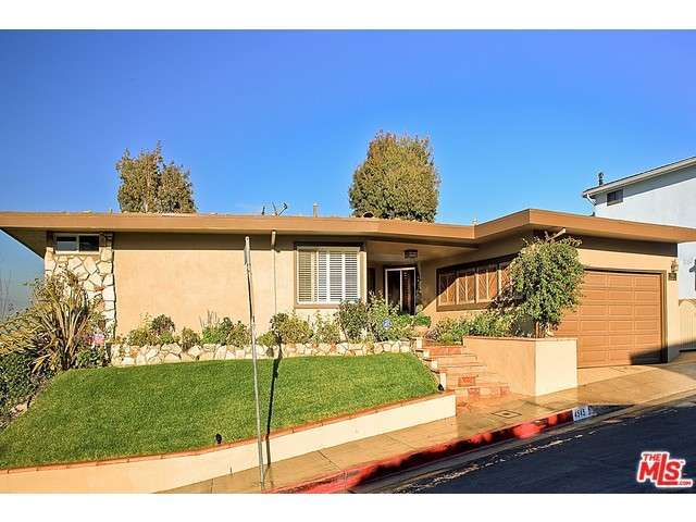 Rental Homes for Rent, ListingId:30772572, location: 4545 DON ARTURO Place Los Angeles 90008