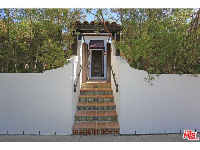 Rental Homes for Rent, ListingId:30854043, location: 528 ORANGE Drive Los Angeles 90036