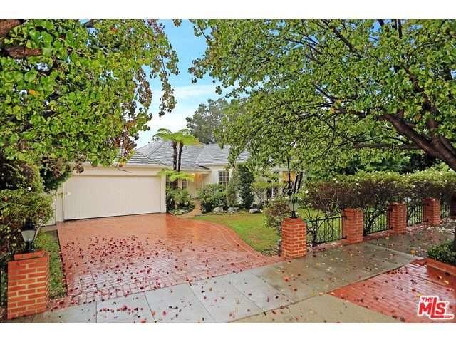 Rental Homes for Rent, ListingId:30886317, location: 10542 GARWOOD Place Los Angeles 90024