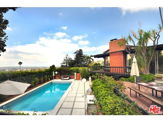 4520 Dundee Dr, Los Angeles, CA 90027