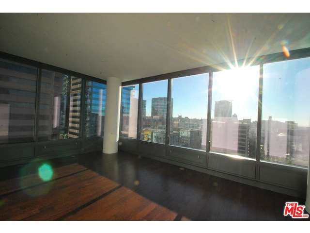 Rental Homes for Rent, ListingId:30929928, location: 900 South FIGUEROA Los Angeles 90015