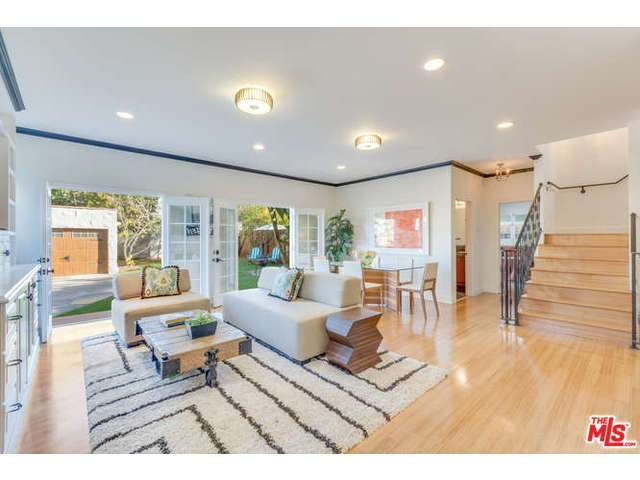 1222 S Point View St, Los Angeles, CA 90035