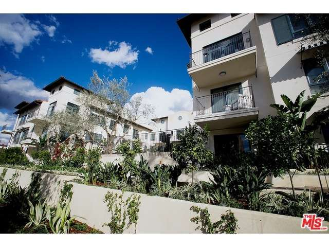Rental Homes for Rent, ListingId:31247401, location: 738 WILCOX Avenue Los Angeles 90038
