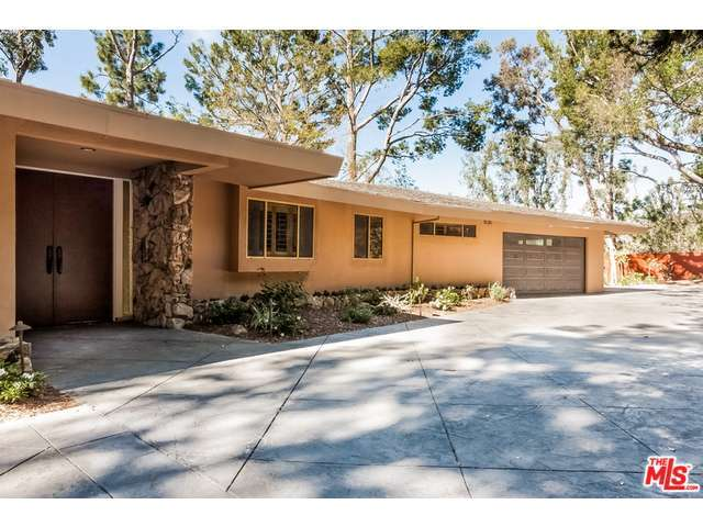 Rental Homes for Rent, ListingId:31337346, location: 630 ESTRELLITA Way Los Angeles 90049