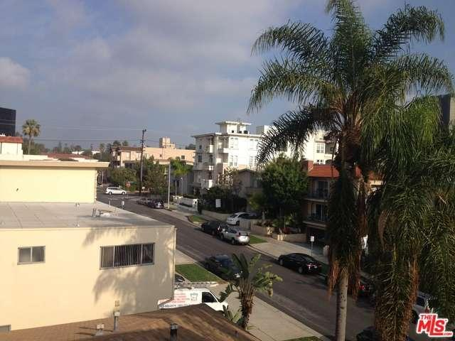 Rental Homes for Rent, ListingId:31337427, location: 11737 DARLINGTON Avenue Los Angeles 90049