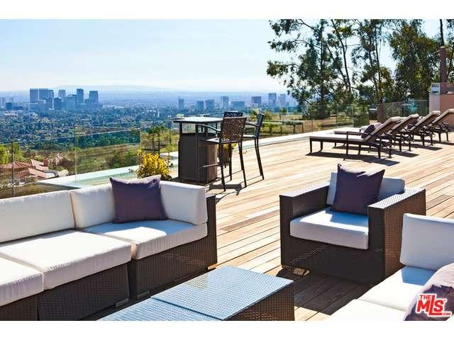 Rental Homes for Rent, ListingId:31294077, location: 1371 TOWER GROVE Drive Beverly Hills 90210