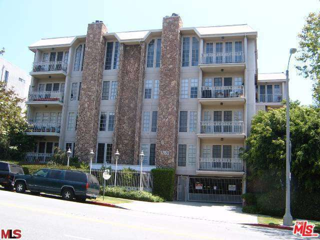 Rental Homes for Rent, ListingId:31369312, location: 1260 BEVERLY GLEN Los Angeles 90024