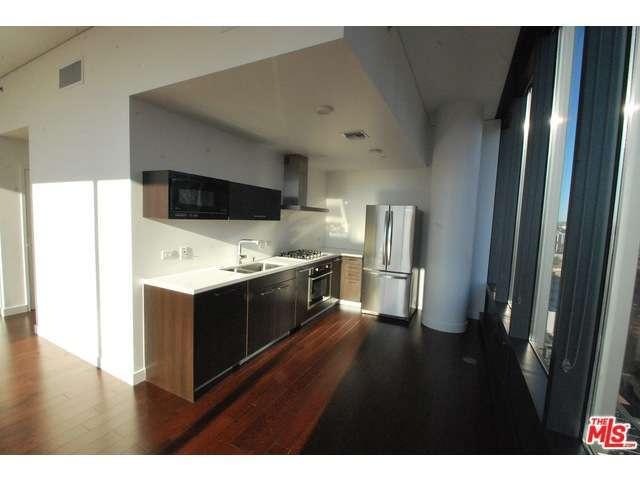 Rental Homes for Rent, ListingId:31458994, location: 900 South FIGUEROA Los Angeles 90015