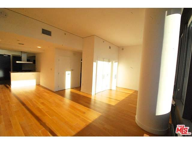 Rental Homes for Rent, ListingId:31458996, location: 900 South FIGUEROA Los Angeles 90015