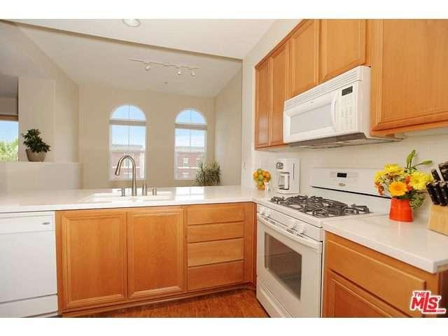 Rental Homes for Rent, ListingId:31588083, location: 12963 RUNWAY Road Playa Vista 90094