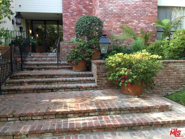 Rental Homes for Rent, ListingId:31823870, location: 429 OAKHURST Drive Beverly Hills 90210