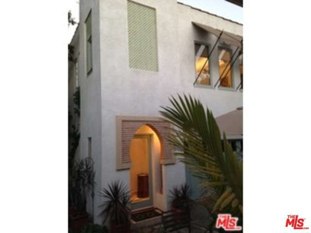 Rental Homes for Rent, ListingId:31886990, location: 146 South LARCHMONT Boulevard Los Angeles 90004