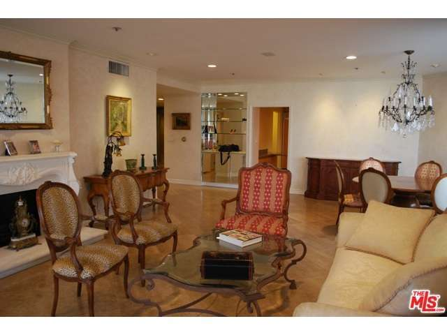 Rental Homes for Rent, ListingId:32056695, location: 10560 WILSHIRE Boulevard Los Angeles 90024