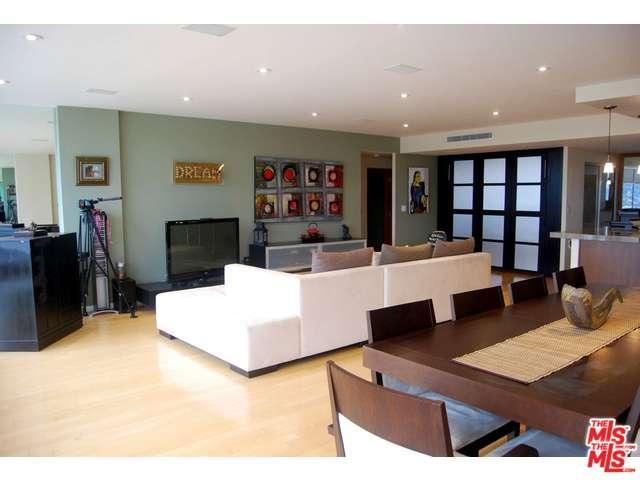Rental Homes for Rent, ListingId:32056687, location: 2220 AVENUE OF THE STARS Los Angeles 90067