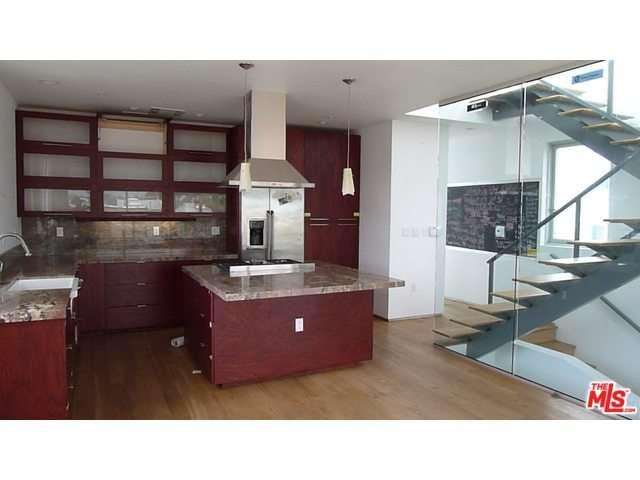 Rental Homes for Rent, ListingId:32148783, location: 1638 ABBOT KINNEY Venice 90291