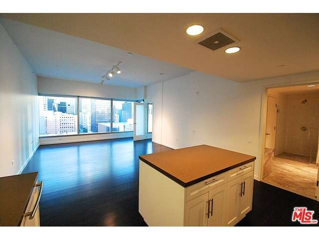 Rental Homes for Rent, ListingId:32148809, location: 705 West 9TH Street Los Angeles 90015