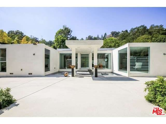 Rental Homes for Rent, ListingId:32235071, location: 1259 ROSCOMARE Road Los Angeles 90077