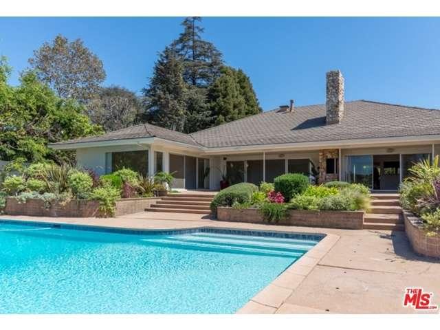 Rental Homes for Rent, ListingId:32234988, location: 247 North ROCKINGHAM Avenue Los Angeles 90049